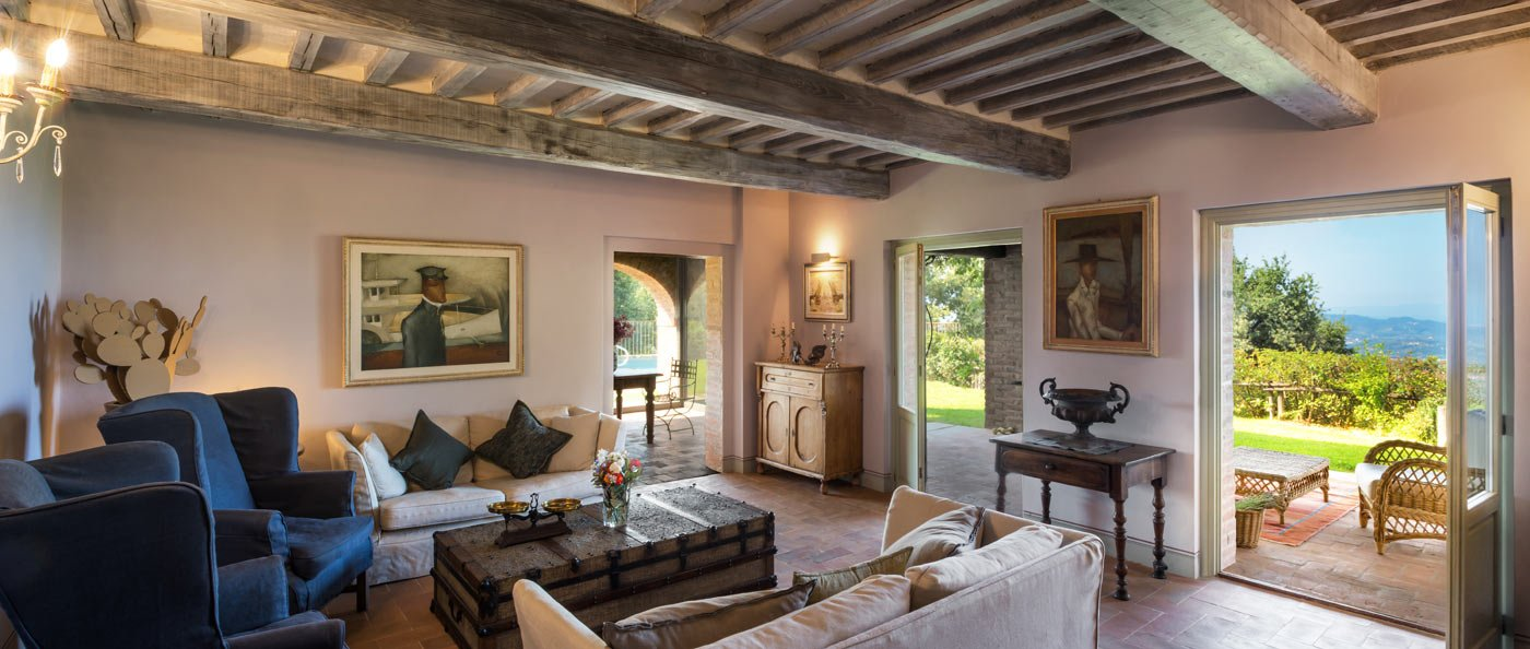 Living room in a Tuscan villa